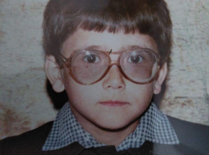 PROMOTIE | O lentila din partea casei pentru o poza cu primii tai ochelari